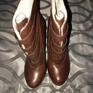 Gianni Bini 9 brown leather warm lining